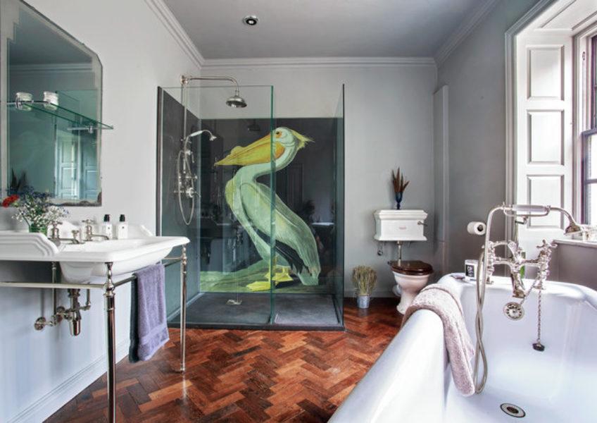 Drummonds-eclectic-bathroom